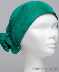 Foulard en cuir doux - alopécie cancer - couleur vert émeraude