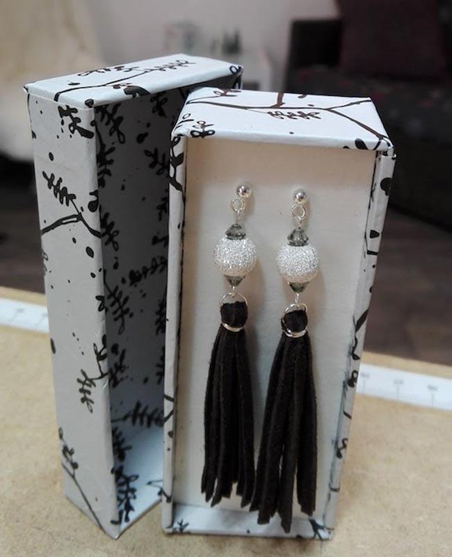 bijoux boucles oreilles cuir noir pendante longue perle cristal - fabrication artisanale 78 feucherolles