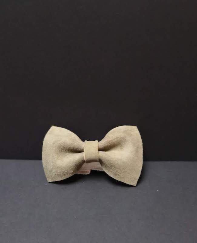 accessoire noeud papillon enfant garçon cuir couleur kaki artisan cécile krée 78